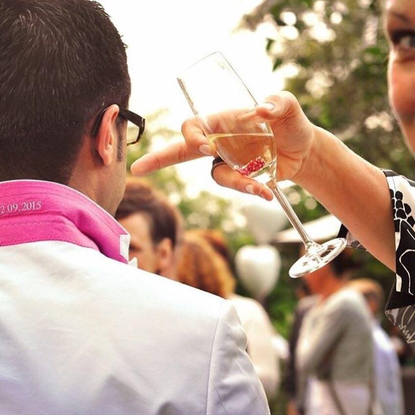 Strandhus Hochzeit Sekt